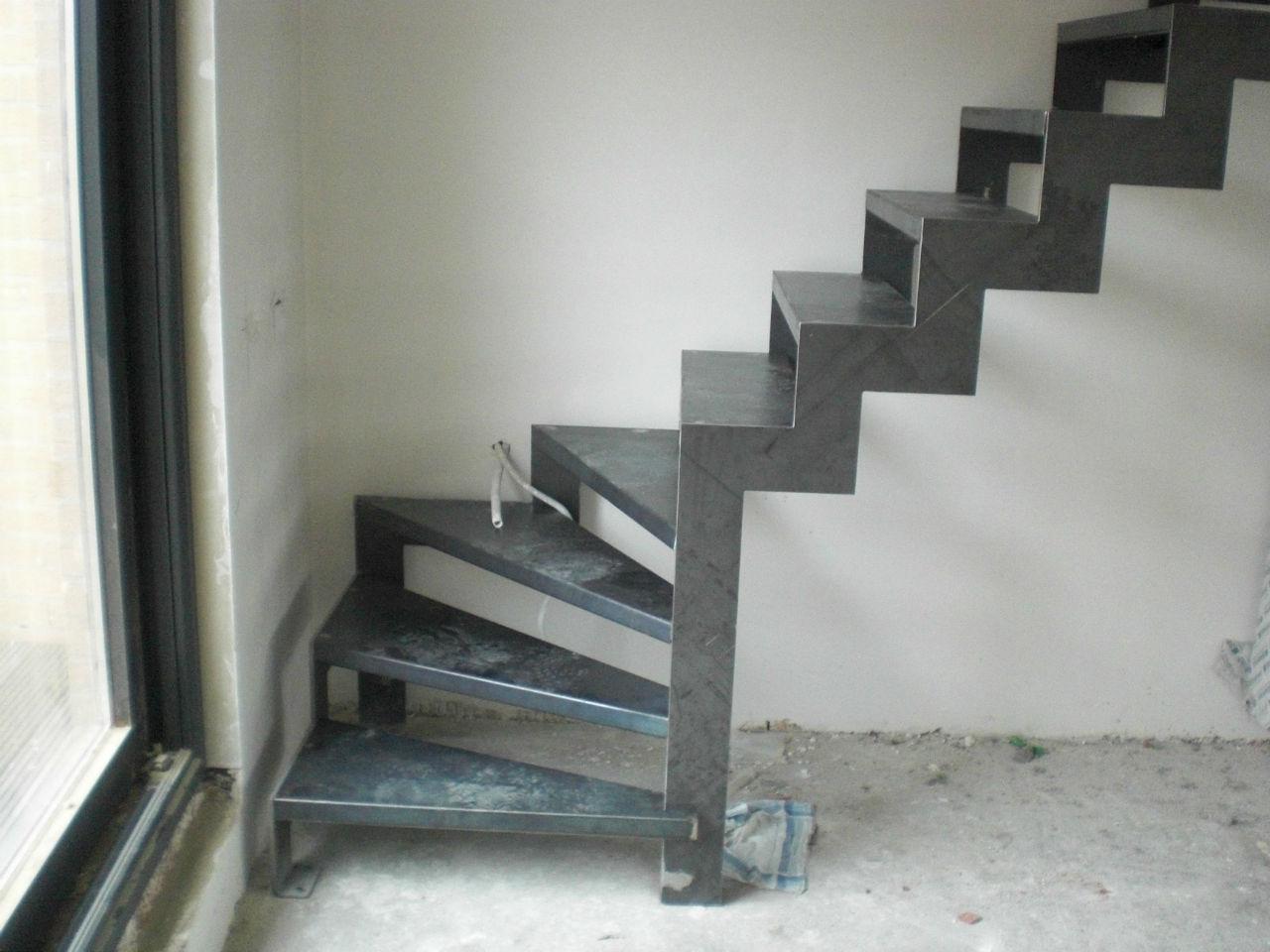 Trap appartement stijn decroos - Metalen trap design hout ...